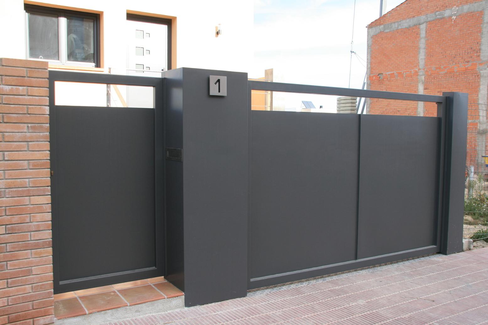 Puertas de chapa de segunda mano trendy with puertas de for Puertas balcon usadas