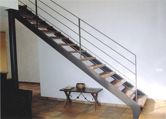 Escaleras met licas para viviendas o empresas - Escaleras para viviendas ...